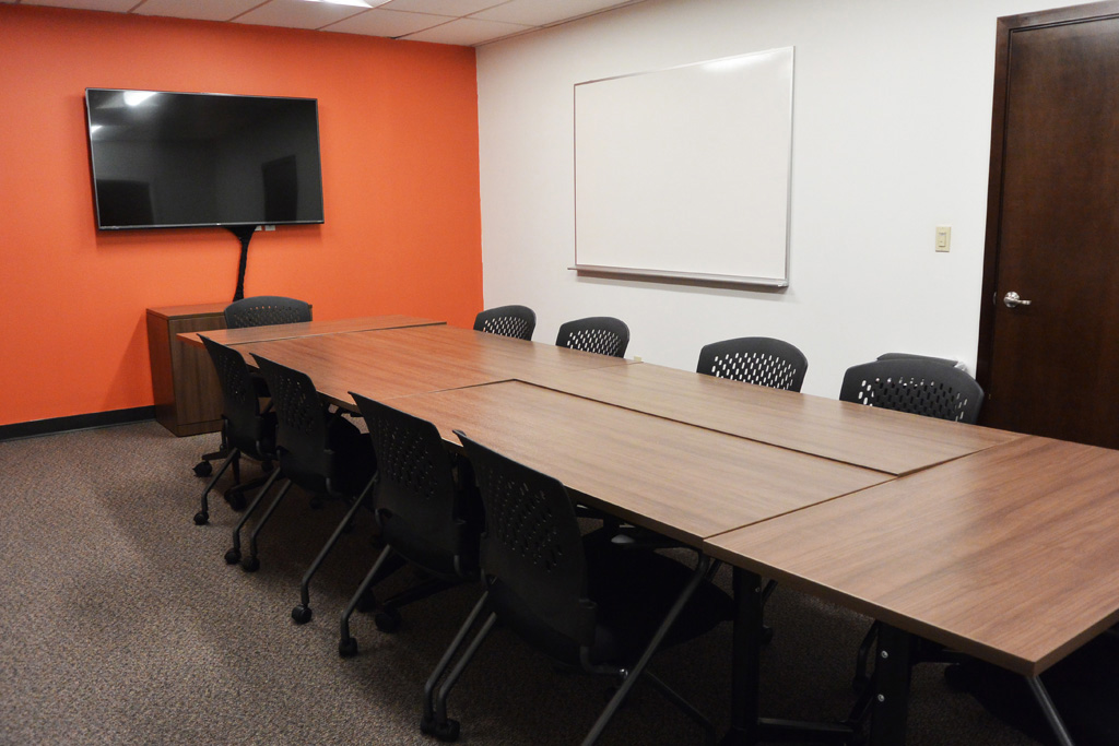 Strategic Research Associates Federal Way Facility Orange Focus Group Room with Television